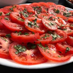 Shropshire Hills Catering freshly prepared tomato and basil salad